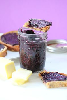 blueberry chia seed jam. Done in just 5 minutes and way better than store bought kinds. #healthy #glutenfree #vegan #cleaneating