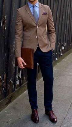Guide to Men's Cocktail Dress Code Men's cocktail attire might sound casual in spirit, but it's actu Men's Business Outfits, Business Attire For Men, Business Casual Jeans, Mens Fashion Suits, Mens Suits, Men's Fashion, Fashion 1920s, Fashion Dresses, Latex Fashion