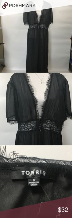Torrid Sheer black robe size 5 Torrid sheer black robe size 5. The robe has a wide band of lace at the waist line. It is new with tags. Please see size chart for torrid sizing. Thanks for visiting my closet! torrid Intimates & Sleepwear Robes