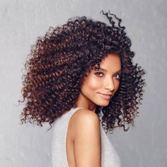 Because curls aren't one-size-fits-all. Identifying your curl type is the first step to getting your best-ever curls. Curly Hair Types, Types Of Curls, Different Curls, Makeup Eyeshadow Palette, Tight Curls, Types Of Makeup, Cool Haircuts, Curly Girl, Hair Trends