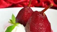 Armut Tatlısı Tarifi Pear Recipes, Deserts, Cherry, Strawberry, Food And Drink, Fruit, Vegans, Hummus, Postres