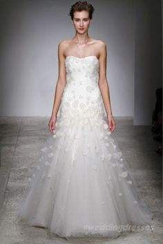 Buy & sell new, sample and used wedding dresses + bridal party gowns. Your dream wedding dress is here - at a truly amazing price! Discount Designer Wedding Dresses, Designer Wedding Gowns, Wedding Dresses For Sale, Bridal Dresses, Glamour, Wedding Inspiration, Wedding Ideas, Wedding Stuff, Wedding Fun