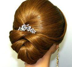 coiffure mariage avec bijoux de cheveux- tresse chignon bas