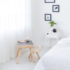 Table et chaise enfant - Plan Toys | MyLittleRoom Bedroom For Girls Kids, Home Design, Office Desk, Nightstand, Plantoys, Furniture, Home Decor, Bedroom Ideas, Products