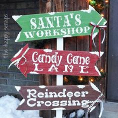 Christmas Porch Signs - Which way to Christmas? These adorable DIY holiday signs will be perfect for your yard or porch.