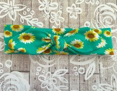 Yellow Daisy on Aqua Knotted Headband: Perfect for babies through adults!