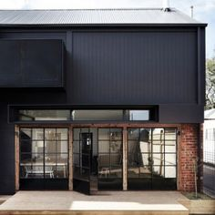 Whiting Architects adds utilitarian extension to Melbourne residence