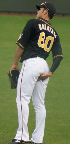 Baseball Guys, Baseball Pants, Cute Gay Couples, Athlete, Beautiful Men, Sports, Touch, Rugby Men, Dance Videos