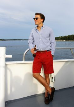 Preppy drag transportation (getting there is half the fun) Preppy Boys, Preppy Style, Preppy Mens Fashion, Mens Fashion Suits, Preppy Outfits, Classic Outfits, Ivy League Style, Ivy Style, Bermuda