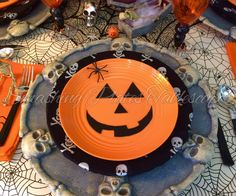 Smashing Plates Tablescapes: 2016 Table Retrospective Part Two Halloween 2016, Scary Halloween, Halloween Themes, Happy Halloween, Halloween Table Settings, Goblin, Favorite Holiday, Trick Or Treat, Tablescapes