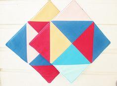 poppyshome - - - poppys.fi: Geometriaa ja kirkkaita värejä pannulapuissa