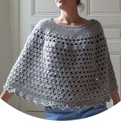 Poncho cape wrap light grey acrylic and polyamide yarn hand crocheted size L