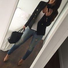 Blazer negro y Jeans