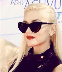 Gwen Stefani wearing sweet shades