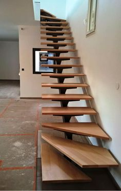 36 Stunning Wooden Stairs Design Ideas You are in the right place about Stairs landscape Here we offer you the most beautiful pictures about the Stairs carpet you are looking for. When you examine the Home Stairs Design, Railing Design, Interior Stairs, Steel Stairs Design, Loft Stairs, House Stairs, Basement Stairs, Carpet Stairs, Patio