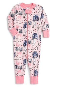 . Super cute R2D2 & Princess Leia nighty-onesie.