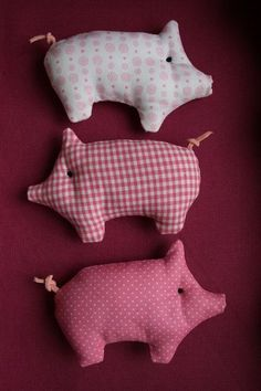Lucky Pig - Lucky Pig in Pink - a unique product by hoppel-di -. - Lucky Pig – Lucky Pig in Pink – a unique product by hoppel-di-hopp on DaWanda - Sewing Toys, Baby Sewing, Sewing Crafts, Sewing Projects, Free Sewing, Fabric Toys, Fabric Scraps, Fabric Art, Pig Crafts