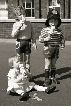 This image was taken on the roof of Bootle Street Police Station in central Manchester Vintage Children Photos, Vintage Pictures, Old Pictures, Old Photos, La Trattoria, Melting Moments, Vintage Ice Cream, Foto Art, Graduation Pictures