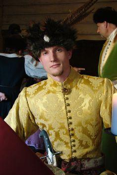 lamus-dworski:    Costume of Polish szlachta (nobility) from c. 17th-18th centuries. Fot. Zagończykowa Kompanija.