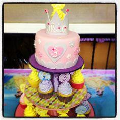#pastel #nena #princesas #3 #Mía #HBD