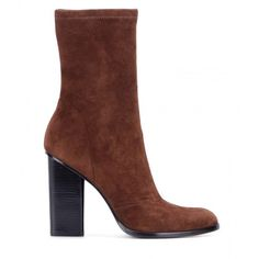 Alexander Wang mytheresa.com Exclusive Gia Suede Boots (50.910 RUB) ❤ liked on Polyvore featuring shoes, boots, famous footwear, brown boots, suede leather shoes, chukka boots and alexander wang boots