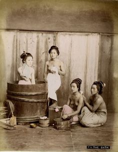 The past is a foreign country Japanese History, Japanese Beauty, Japanese Culture, Vintage Pictures, Old Pictures, Old Photos, Geisha Samurai, Japan Kultur, Photo Vintage