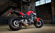 The 2014 Yamaha FZ-09 Photo by: Yamaha