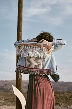Las chaquetas vaqueras centran toda su atención en la espalda