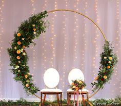 Wedding Backdrop Design, Wedding Hall Decorations, Engagement Decorations, Backdrop Decorations, Backdrop Frame, Flower Wall Backdrop, Flower Wall Decor, Circle Wedding Ceremonies, Wedding Ceremony Flowers