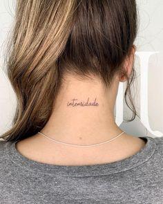 2018 Tattoo Highlights and 2019 Bets- Destaques da tatuagem em 2018 e apostas pa. 2018 Tattoo Highlights and 2019 Bets- 2018 Tattoo Highlights and Bets for 2019 2018 Tattoo Highlights and 2019 Bets Mini Tattoos, Top Tattoos, Little Tattoos, Body Art Tattoos, Small Tattoos, Tatoos, Hidden Tattoos, Tattoo Femeninos, Tattoo Hals