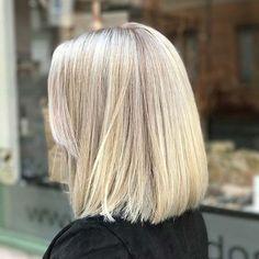Straight, Blonde Lob Haircut