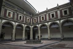El Antiguo Convento de Betlemitas es el lugar ideal para cualquier evento. Si estás interesado, tu evento puede incluir una visita al Museo. Pregunta al momento de hacer tu reservación. Llámanos al 5130.4600 Ext. 782