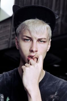 Benjamin Jarvis / Male Models . - Develop the sexual presence of a model! Click the pic.