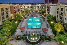 Amli Warner Center | Pet Friendly Apartments | Woodland Hills, CA