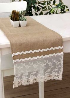 Renkli Doilies Crafts, Burlap Crafts, Diy And Crafts, Table Runner And Placemats, Burlap Table Runners, Ramadan Crafts, Table Toppers, Sewing Projects, Table Decorations
