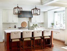 Kitchen. Transitional Kitchen. Transitional Kitchen Design. Transitional White Kitchen with island. #TransitionalKitchen #TransitionalWhiteKitchen Kemp Hall Studio. Yvonne McFadden.