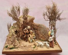 Nativity Stable, Christmas Nativity, Miniture Things, Diy And Crafts, Lion Sculpture, Statue, Wallpaper, Painting, Portal