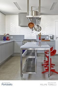 Bakery Interior, Home Bakery, Kitchen Interior, Restaurant Kitchen Design, Commercial Kitchen Design, Bakers Kitchen, Industrial Kitchen Design, Kitchen Cupboard Doors, Diy Kitchen Storage