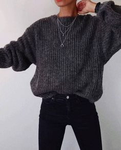 39 Best ideas for fashion outfits casual winter black skinnies Jean Jacket Outfits, Legging Outfits, Black Jeans Outfit, Black Skinnies, Black On Black Outfits, All Black Outfit Casual, Casual Office Attire, Gray Pants, White Pants