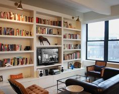 Living Rooms With Built In Bookcase Wall Units - Home Interior Design Ideas Living Room Bookcase, Bookshelves Built In, Living Room Tv, Tv Bookcase, Bookshelf Ideas, Bookshelves With Tv, Bookshelf Plans, Bookshelf Makeover, Bookcase Organization