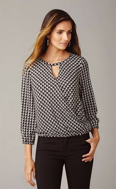 Blouse Pattern Free, Blouse Patterns, Blouse Designs, Free Pattern, Sewing Blouses, Western Tops, Office Fashion, Blouse Styles, Sewing Patterns Free