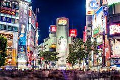 La capitale del Giappone nei decenni del secolo scorso ed oggi in foto davvero impressionanti