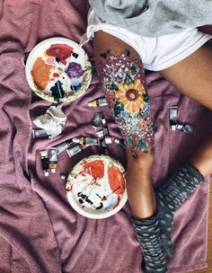 VSCO - emmasnelling - Collection - Hobbies paining body for kids and adult Leg Painting, Painting & Drawing, Skin Paint, Body Paint, Leg Art, Art Hoe, Looks Cool, Belle Photo, Body Art Tattoos