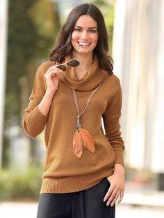 Camisola mulher tricotada manga comprida gola alta e larga