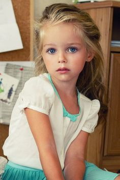 41 Ideas For Baby Girl Blue Eyes Child Models Beautiful Little Girls, Cute Little Girls, Beautiful Children, Beautiful Eyes, Beautiful Babies, Cute Kids, Beautiful People, Blonde With Blue Eyes, Blue Hair