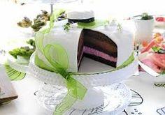 Kuvahaun tulos haulle ylioppilaskakku Dessert Recipes, Desserts, Something Sweet, Vanilla Cake, Love Food, Cake Toppers, Buffet, Cheesecake, Goodies