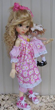 Layla0412.jpg Photo by deenascountryhearth | Photobucket  - Beautiful doll by Kaye Wiggs