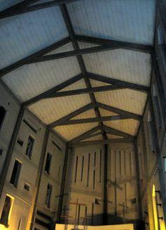 La chiesa di Santa Maria Annunziata si trova all'interno dell'Ospedale San Carlo di Milano- Via Pio XII . Progettata dall'Architetto Gio Ponti. Un teatro...