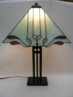 Stained Glass Custom Lamp Shade por DayliteStainedGlass en Etsy, $225.00