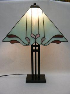 Stained Glass Custom Lamp Shade por DayliteStainedGlass en Etsy, $225.00